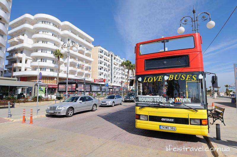 туристический автобус на Кипре