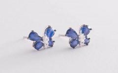 Какие бывают сережки-гвоздики с бриллиантами? «Оникс» знакомит с подходящими моделями